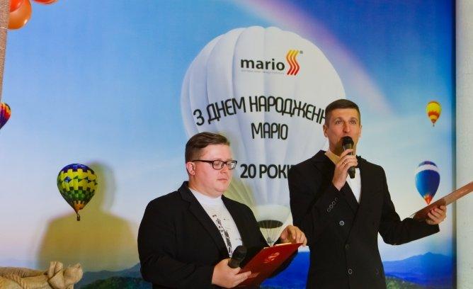 """На 20-річчя компанії """"Маріо"""" гостей розважала команда Ліги Сміху """"Вінницькі"""""""